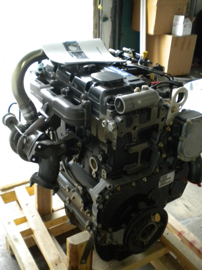 New Perkins Engine 1104D, turbo charged, TIER3, mechanic